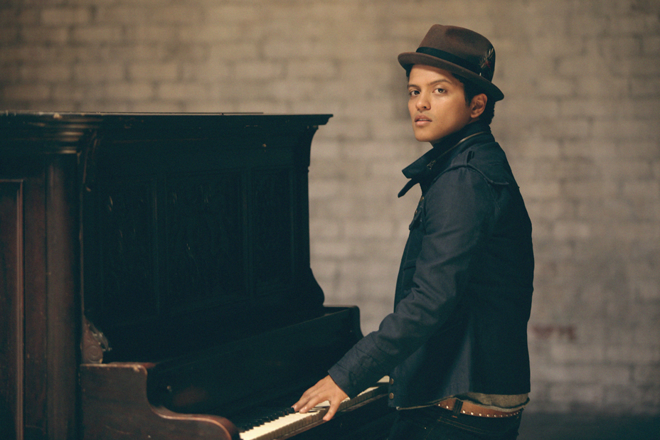 Singer/songwriter/producer Bruno Mars claims the #1 position on this week's
