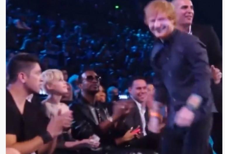 Miley Cyrus Disses Ed Sheeran At 2014 VMAS