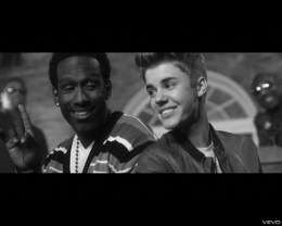 "Justin Bieber & Boyz II Men In "" Fa La La"" Music Video RBMG/Island Records/IDJMG"