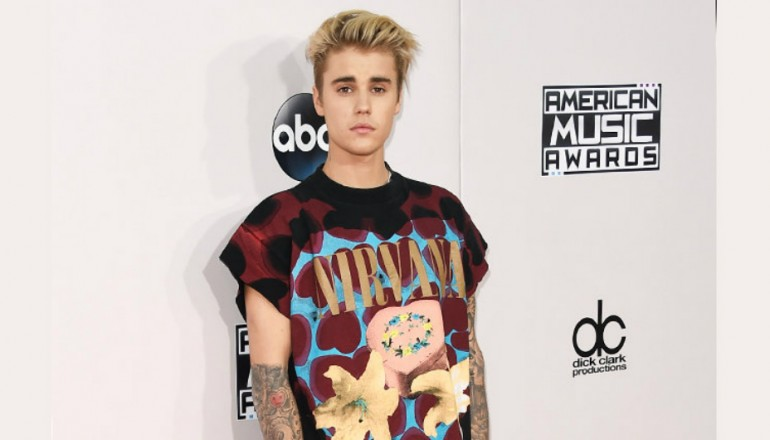 Justin Bieber At The 2015 American Music Awards