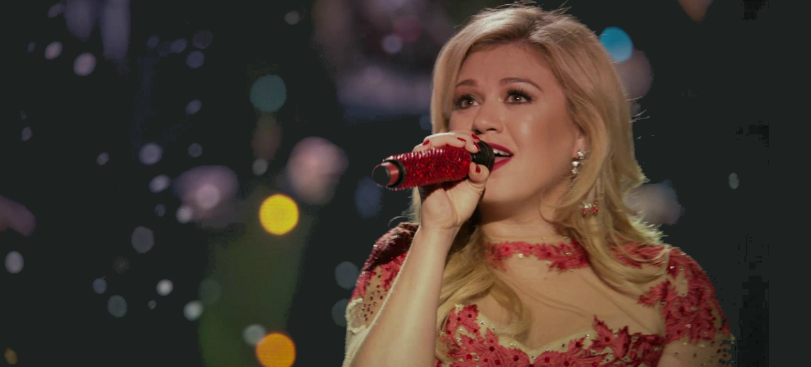 KELLY CLARKSON\'S WRAPPED IN RED CERTIFIED PLATINUM BY THE RIAA ...