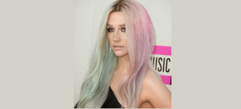 Ke$ha At The 2013 American Music Awards