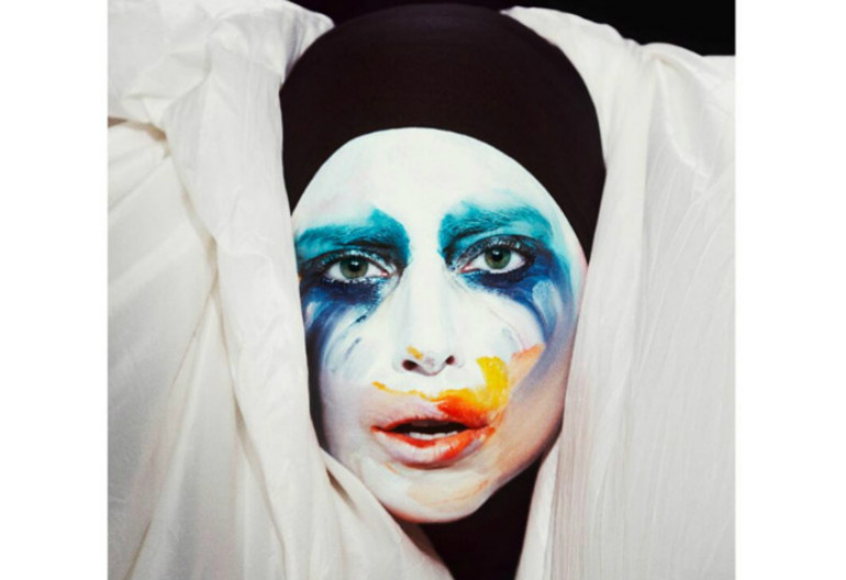 "Lady Gaga ""Applause"" Streamline/Interscope Records"
