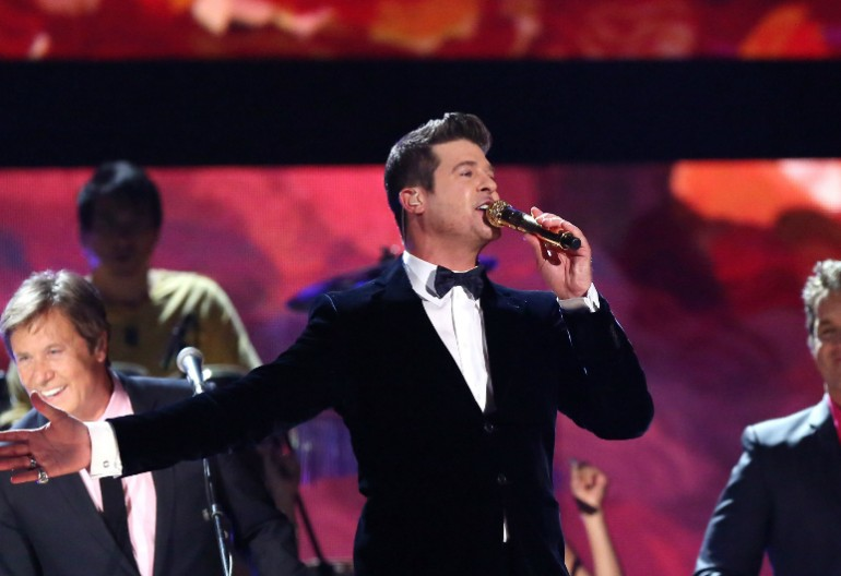 Robin Thicke And Chicago performing at thee 2014 Grammy Awards