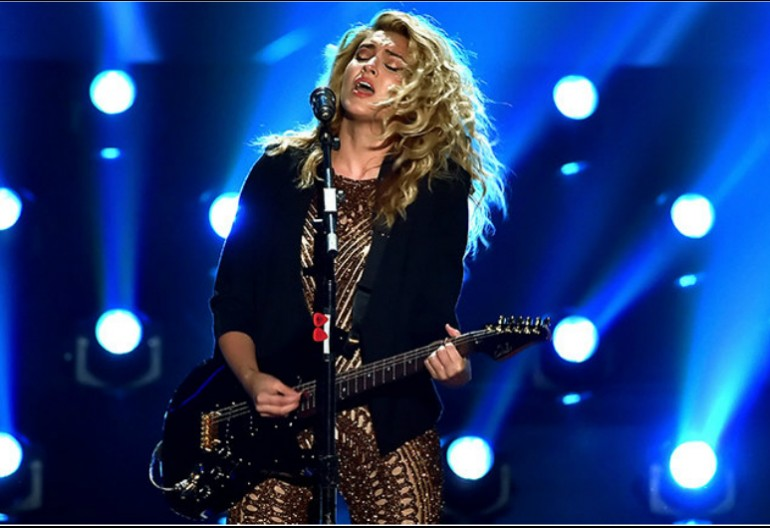 Tori Kelly at the 2015 MTV Video Music Awards