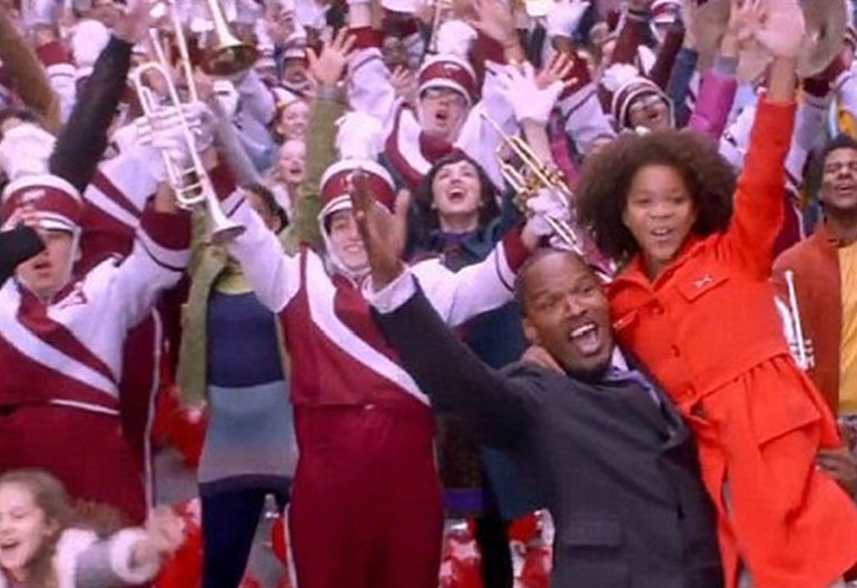 "Jamie Foxx And Quvenzhané Wallis in ""Annie"""