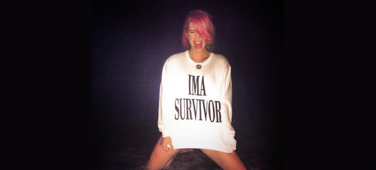 """had to go play in the sand""- Via Kesha's Twitter."