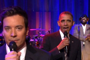 "Jimmy Fallon And President Barack Obama ""Slow Jam The News"""
