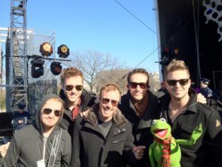 onerepublic with Kermit