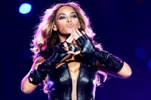 "Beyonce Throwing Up ""The Roc Sign"""